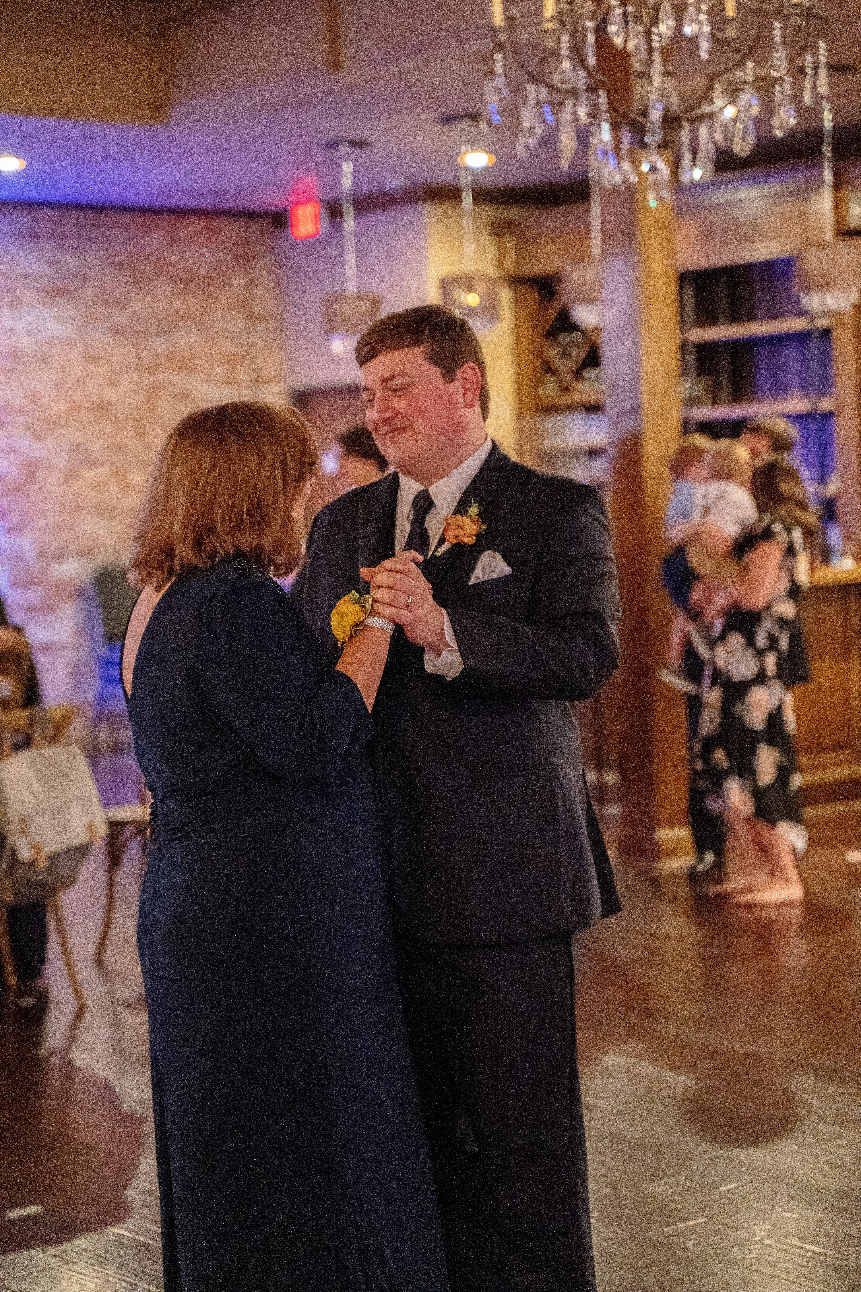 Fall Wedding Colors,Lees Summit Wedding Photography