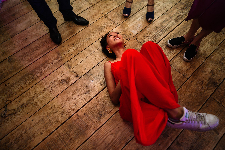 relaxed wedding photographer,documentary wedding photographer