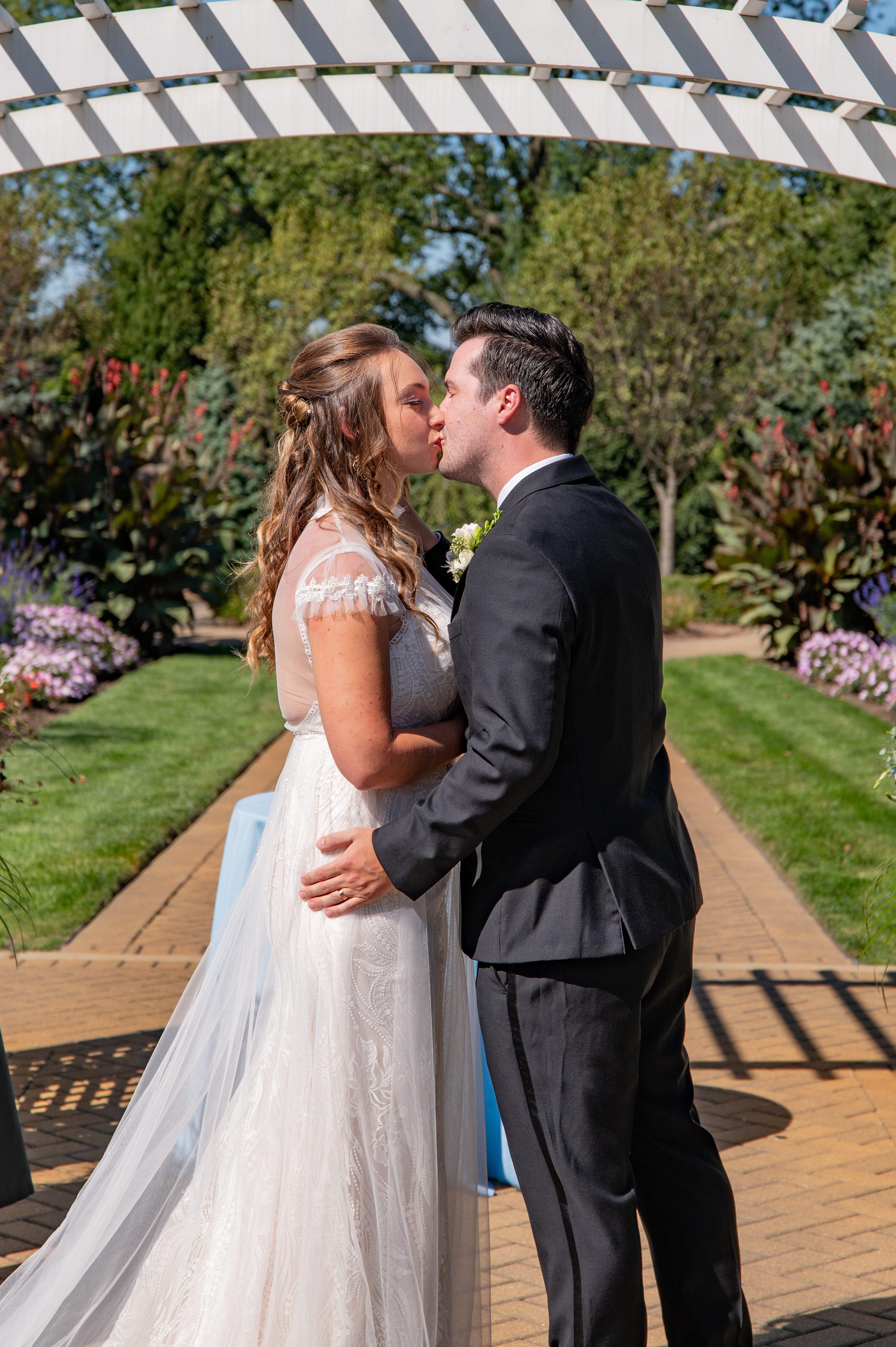 Wheaton wedding photographer, Oak Brook photographers