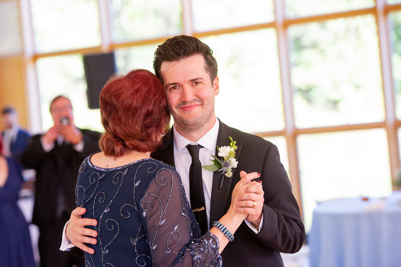 barn wedding venue, Wheaton Wedding Photographer