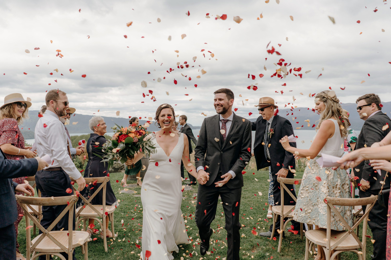 Rotorua Wedding Photographer,Black Barn Lake Tarawera Wedding