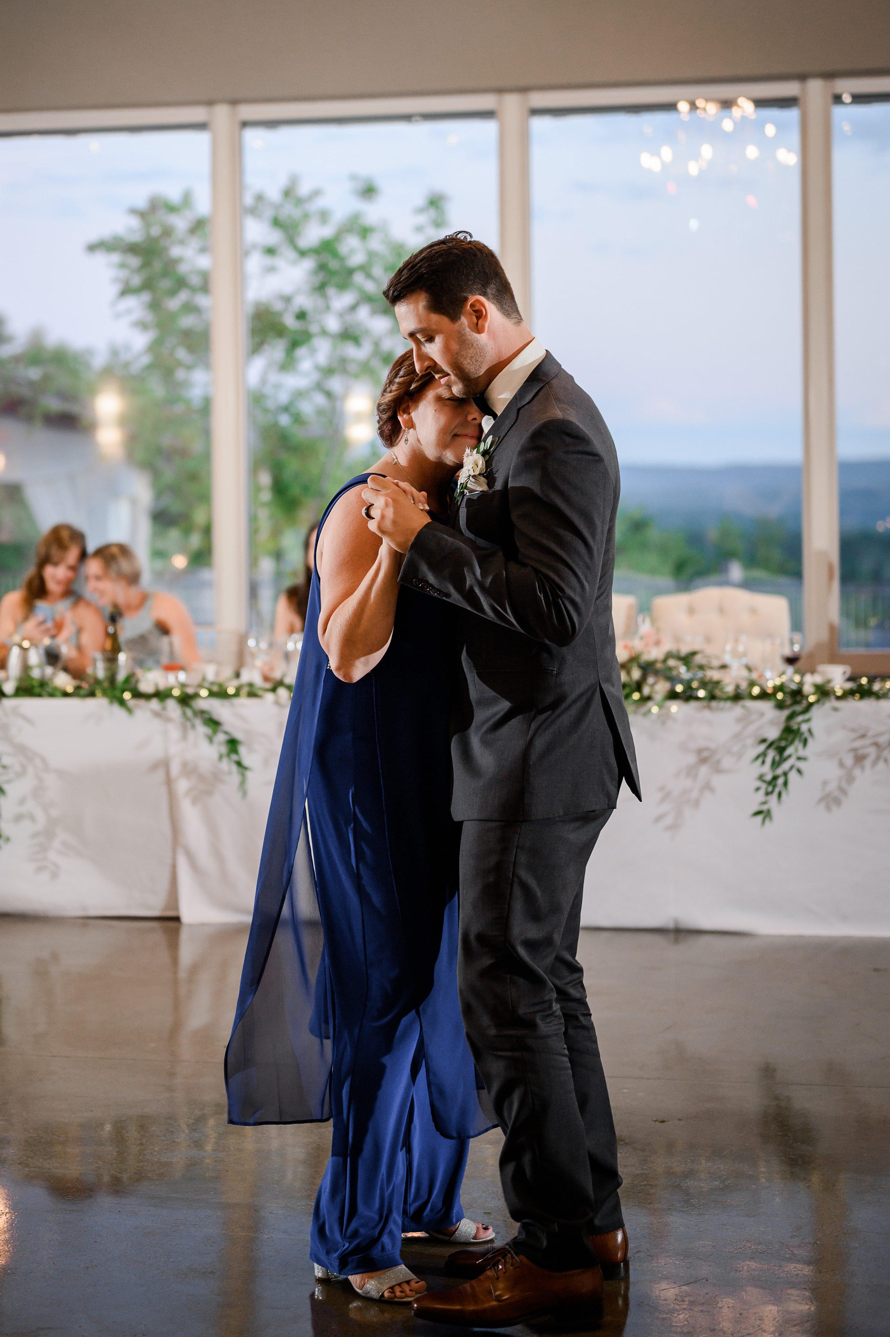 Le Belvédère,blue-grey bridesmaids
