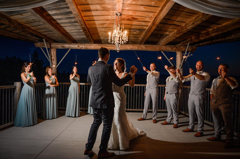 plus belle salle de mariage au québec,Cliffside Wedding Venue