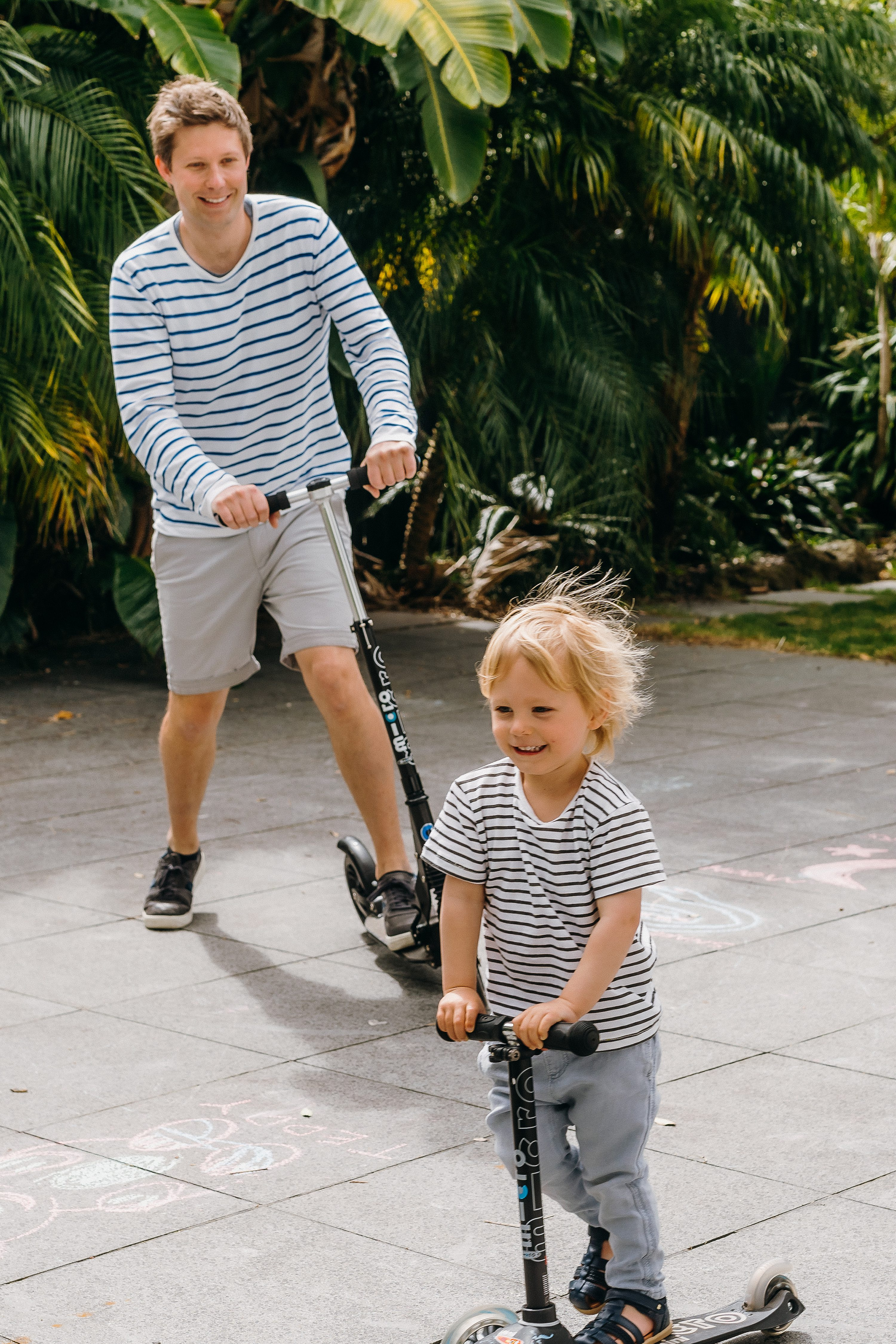 relaxed family session,lifestyle photos