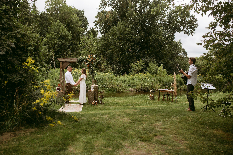 backyard wedding,backyard elopement