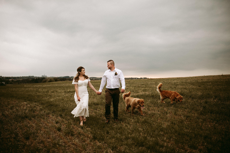 ontario elopement,backyard wedding