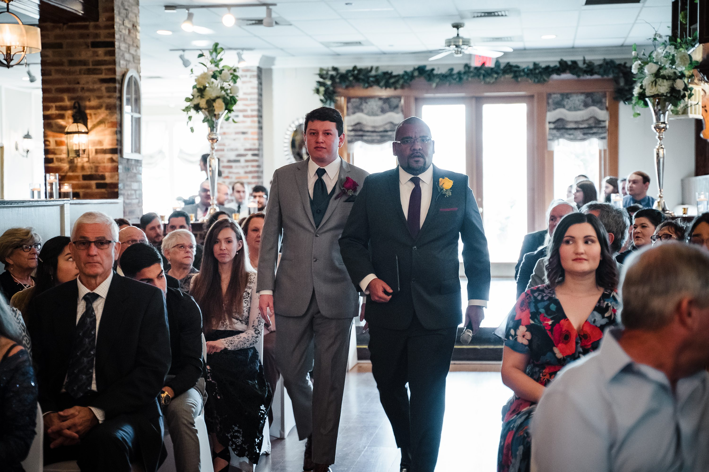 indoor oak lodge wedding,baton rouge wedding