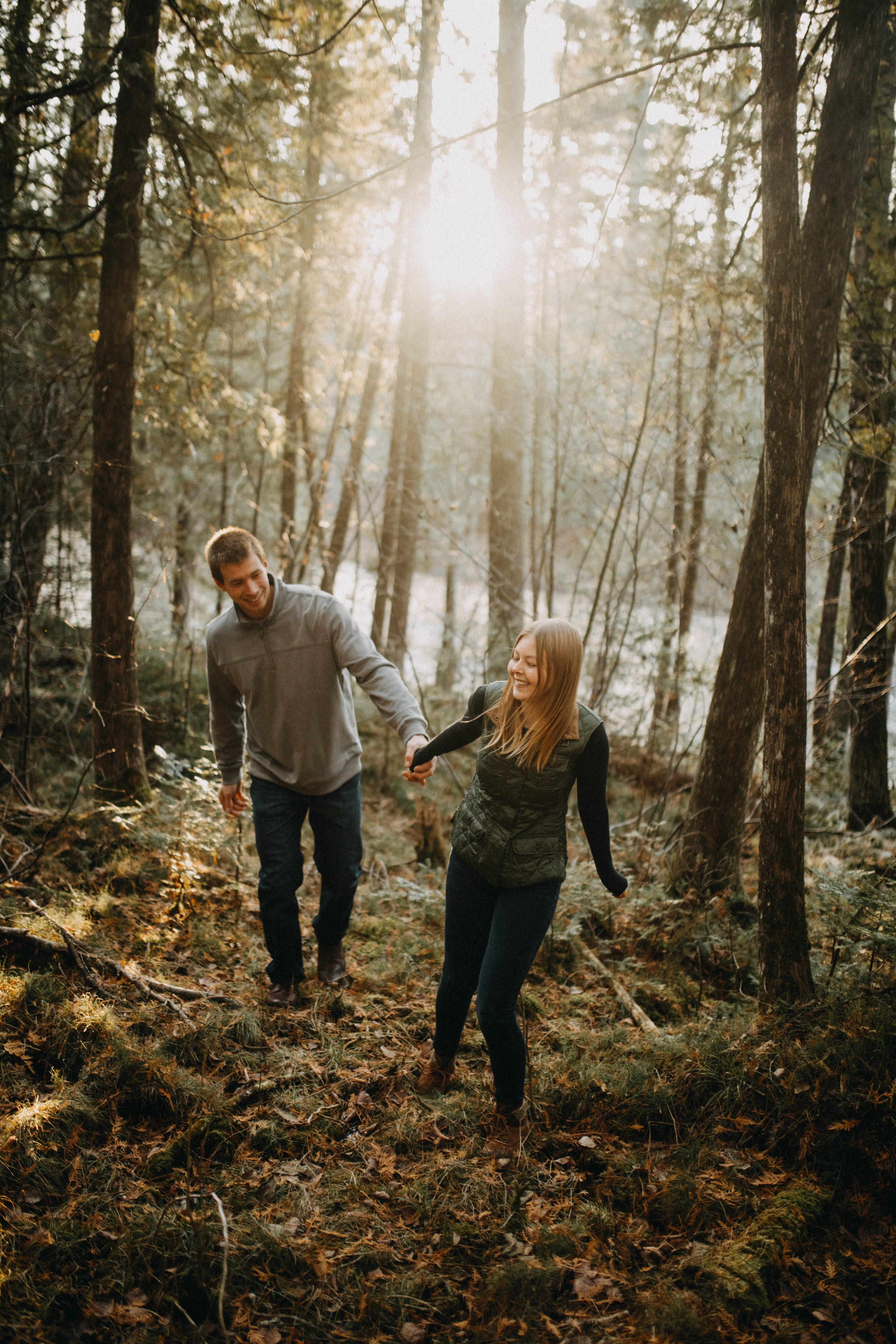 outdoor engagement session,woodsy engagement session,brule engagement sessio,n