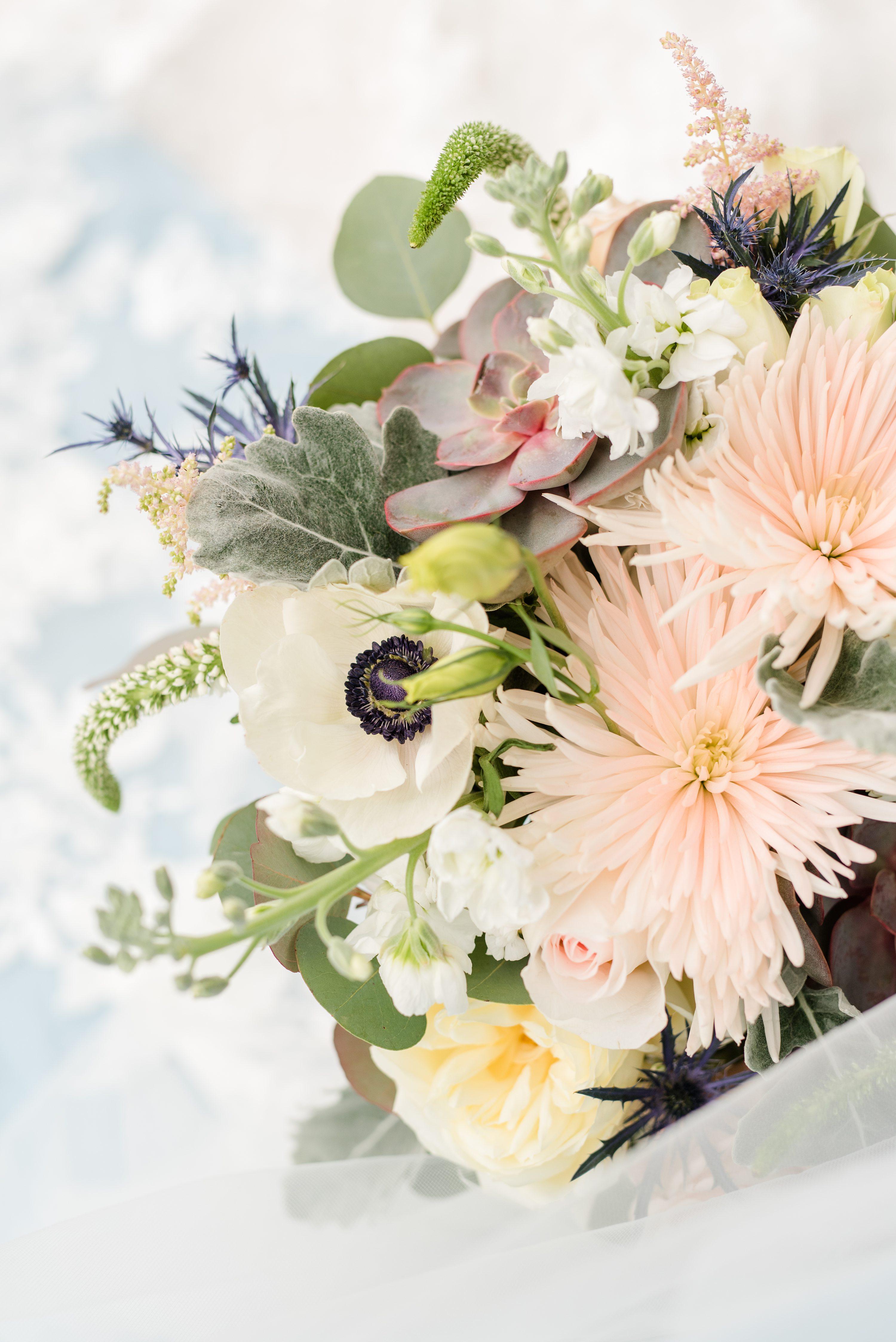 Virginia Wedding Photographer,Barn Wedding,flowers,floral bouquet,wedding bouquet,harris teeter,florals