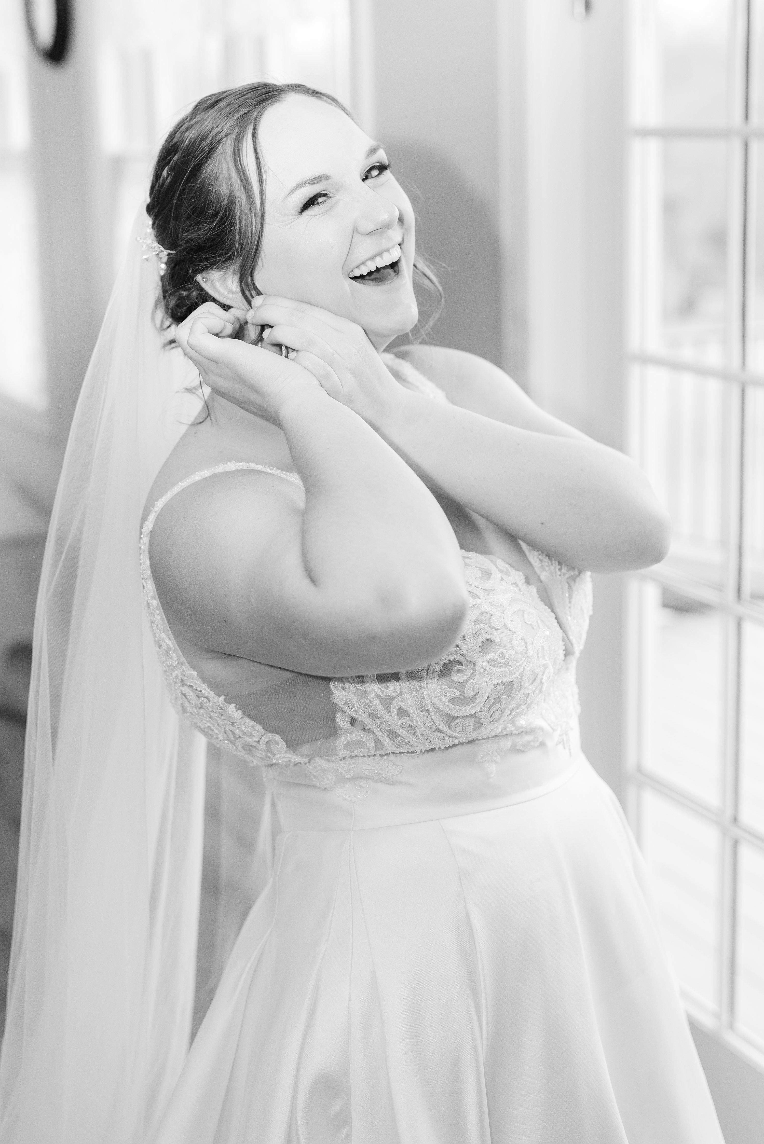 Barn at Edgewood,Barn,bride,Bride in dress,getting ready