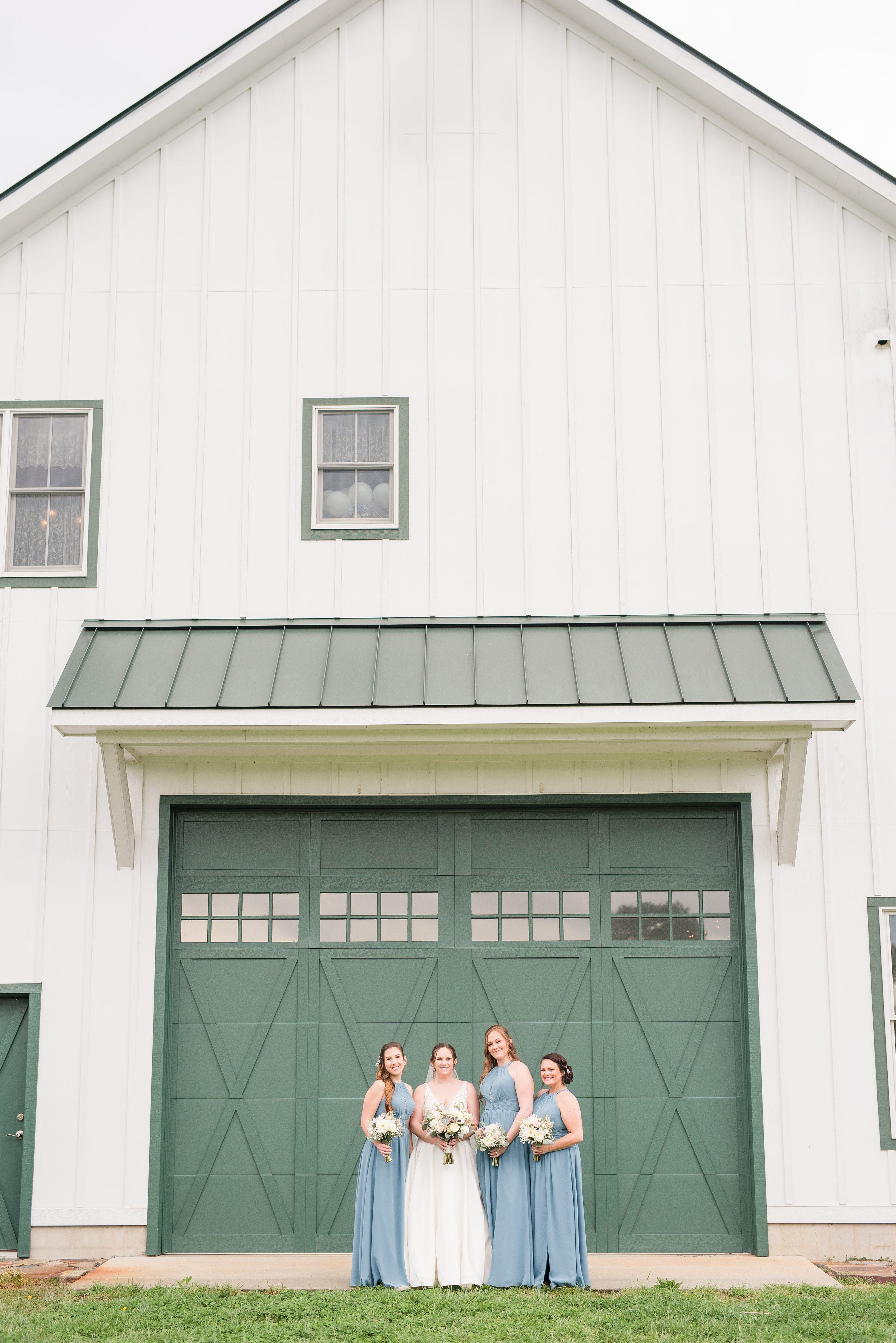 Spring,Spring Wedding,Barn at Edgewood,bride and bridesmaids,bridesmaids,bride