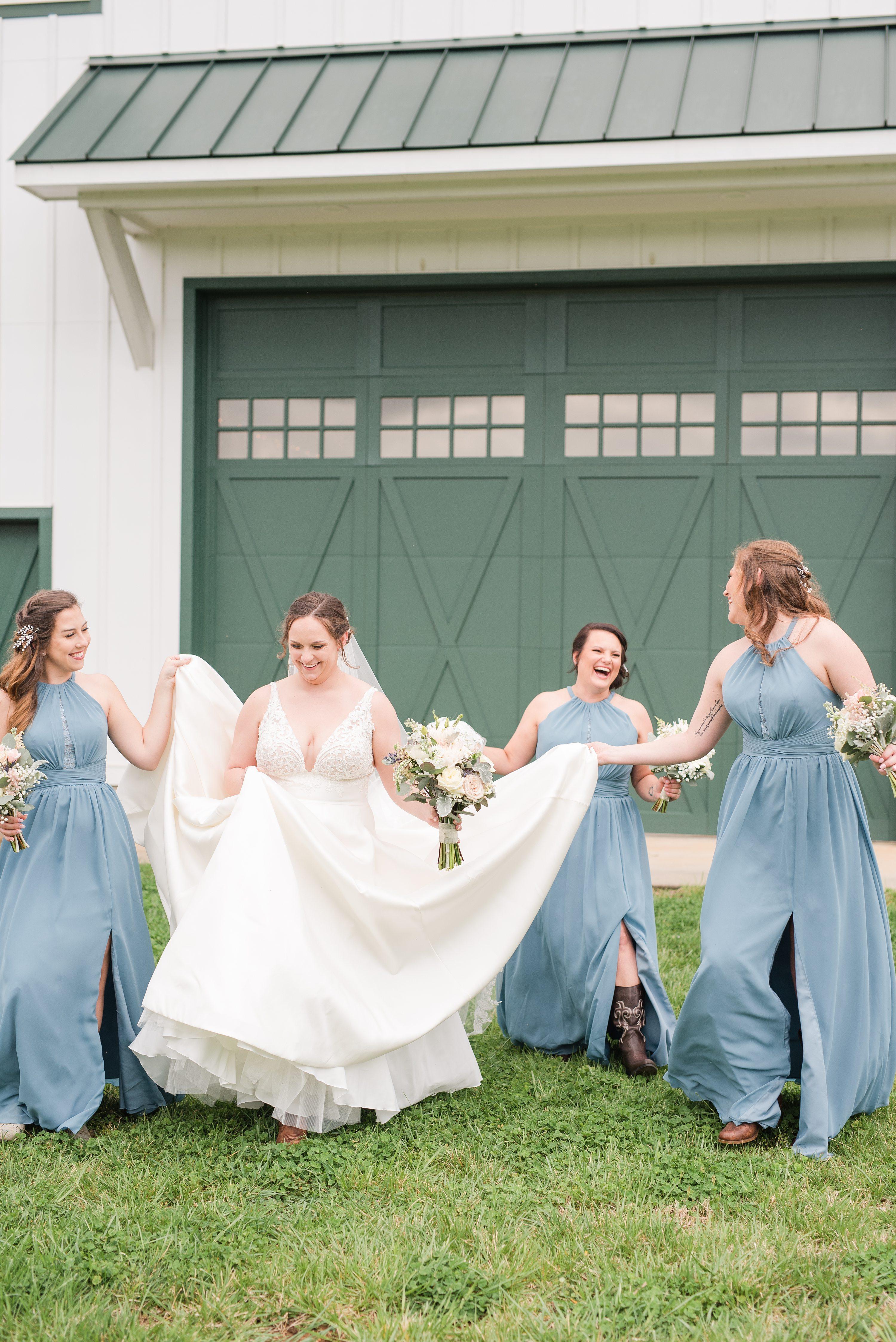 Blue Ridge,Charlottesville,bride,bridesmaids,edgewood barn,Barn at Edgewood