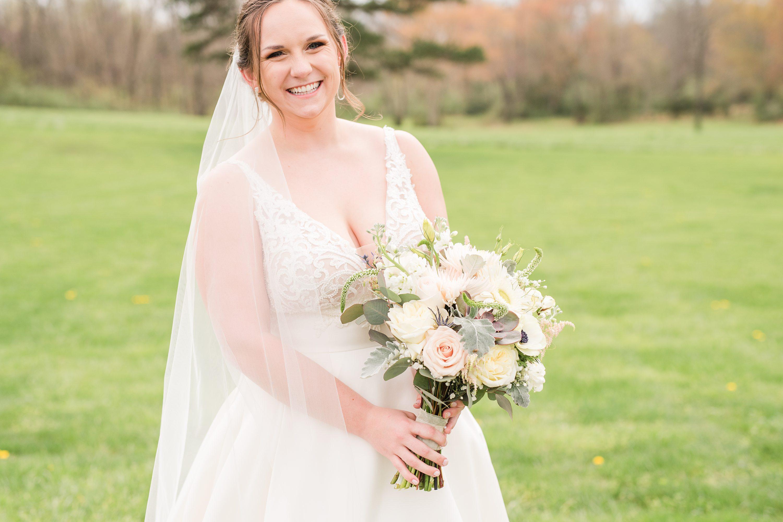 Edgewood,Charlottesville,Barn at Edgewood,bride,bridal bouquet