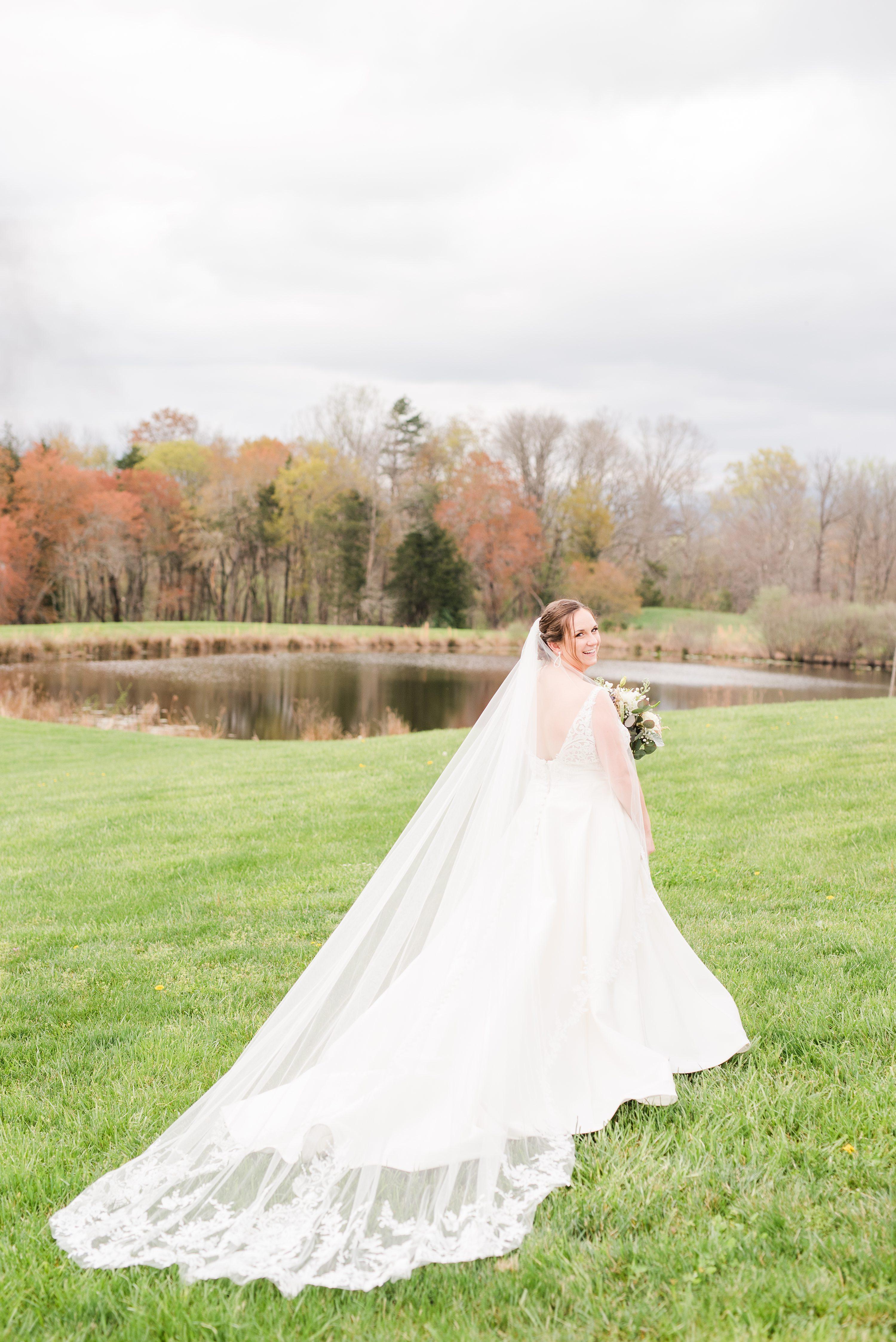 Barn,Spring Wedding,bride,Veil,bridal veil,Wedding Dress,mountain wedding,lake