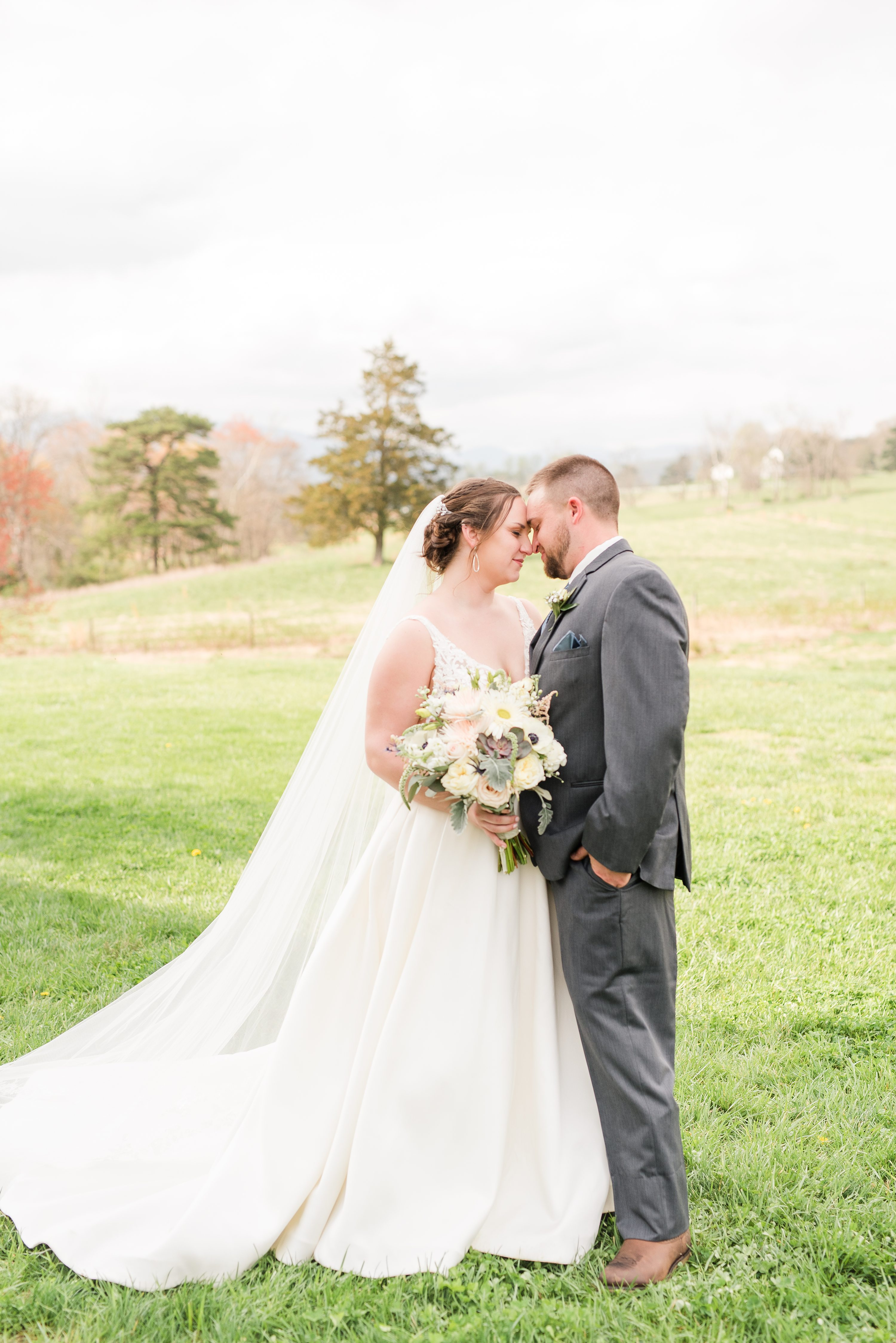 Barn Wedding,Charlottesville,bride and groom,mountain wedding,edgewood barn