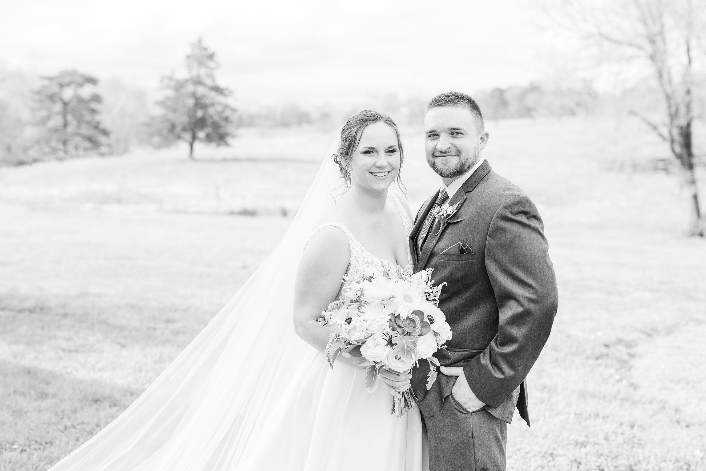 Wedding,Barn at Edgewood,bride and groom,mountain wedding,edgewood barn