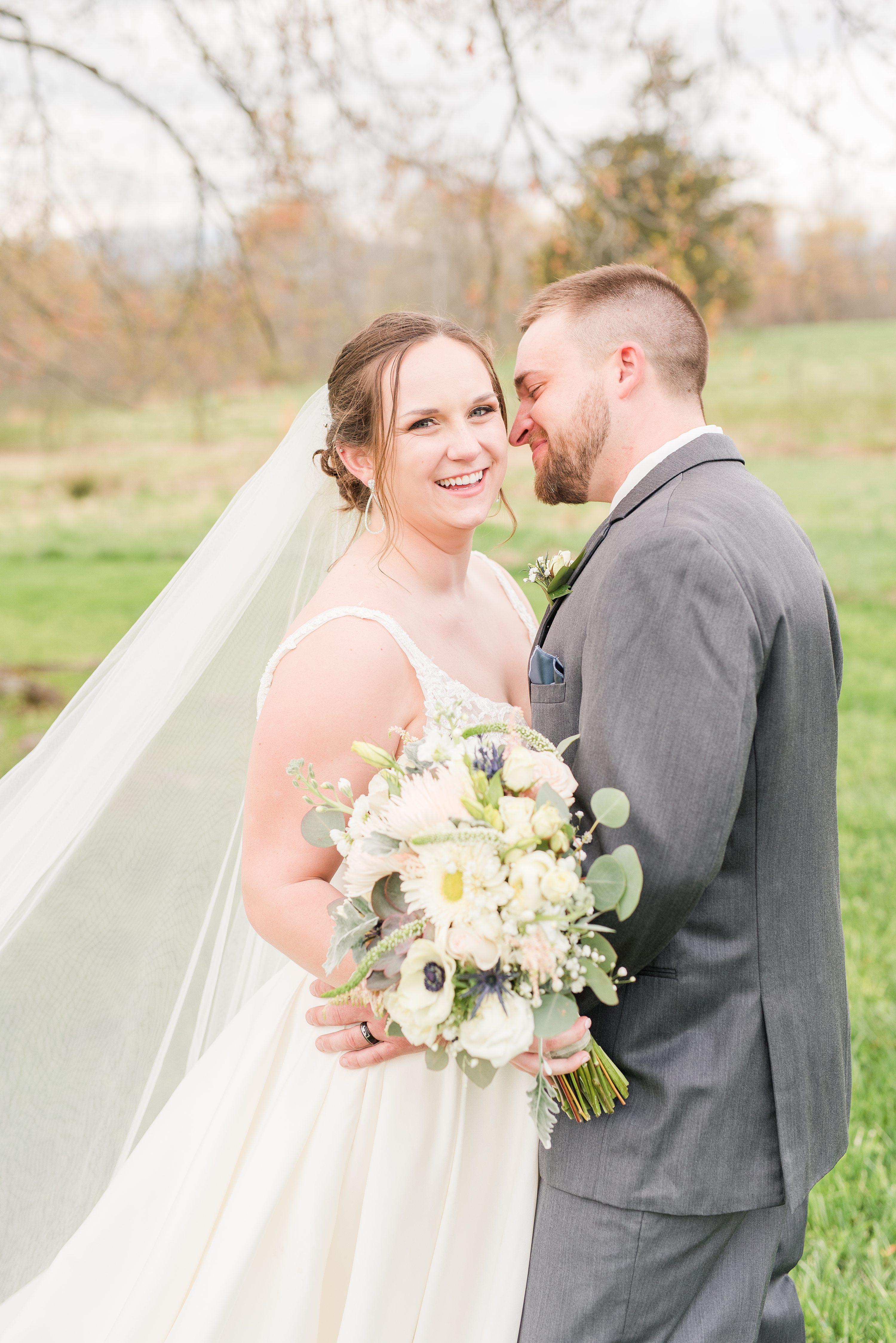 Spring,Southern Wedding,bride and groom,mountain wedding,edgewood barn