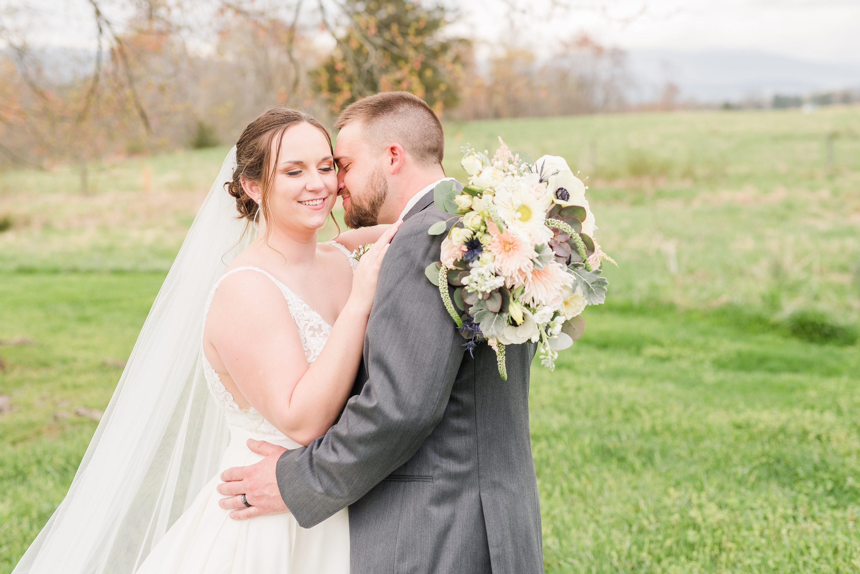 Barn Wedding,Wedding,bride and groom,mountain wedding,edgewood barn,Blue Ridge Mountains