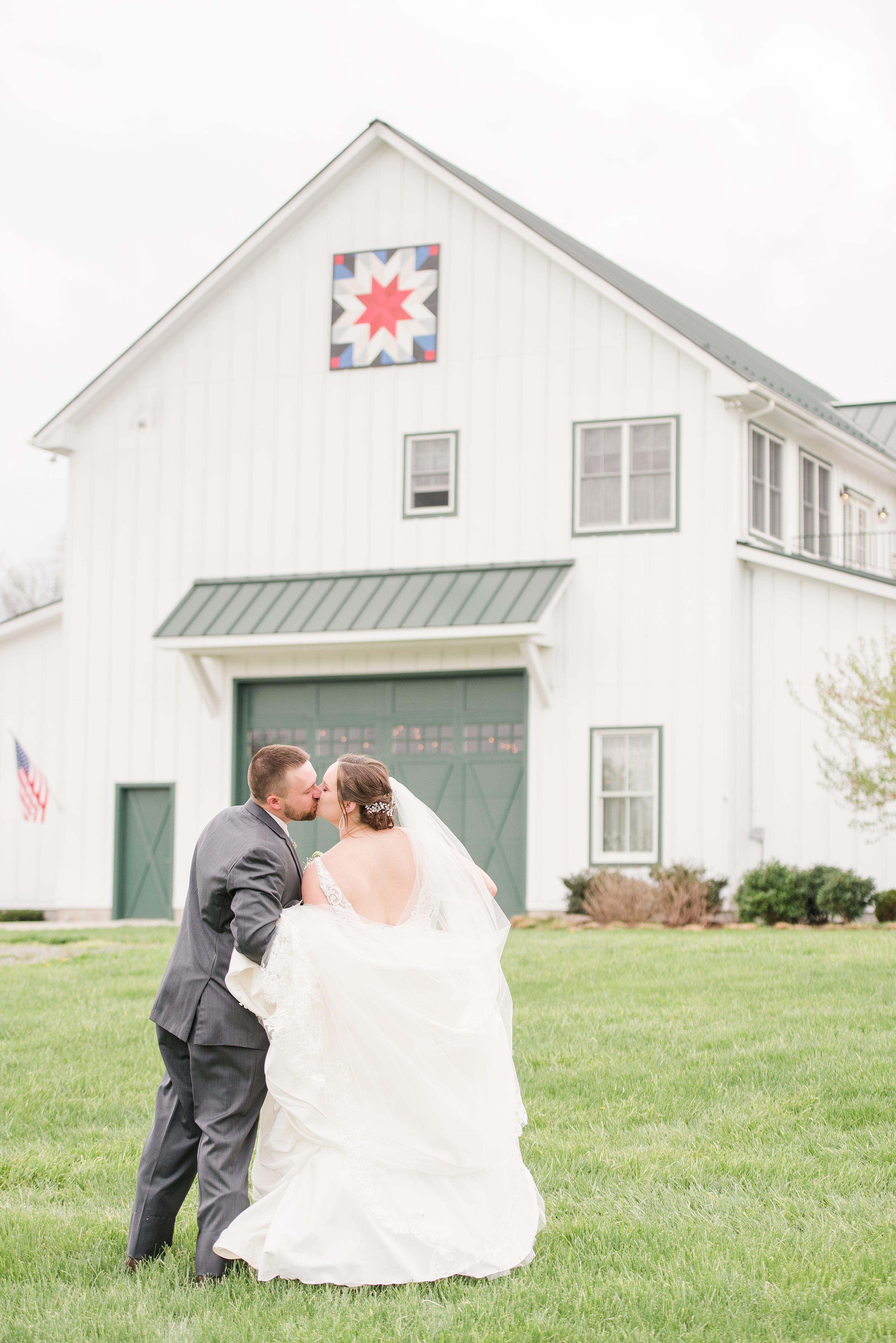Wedding,Charlottesville,bride and groom,mountain wedding,edgewood barn