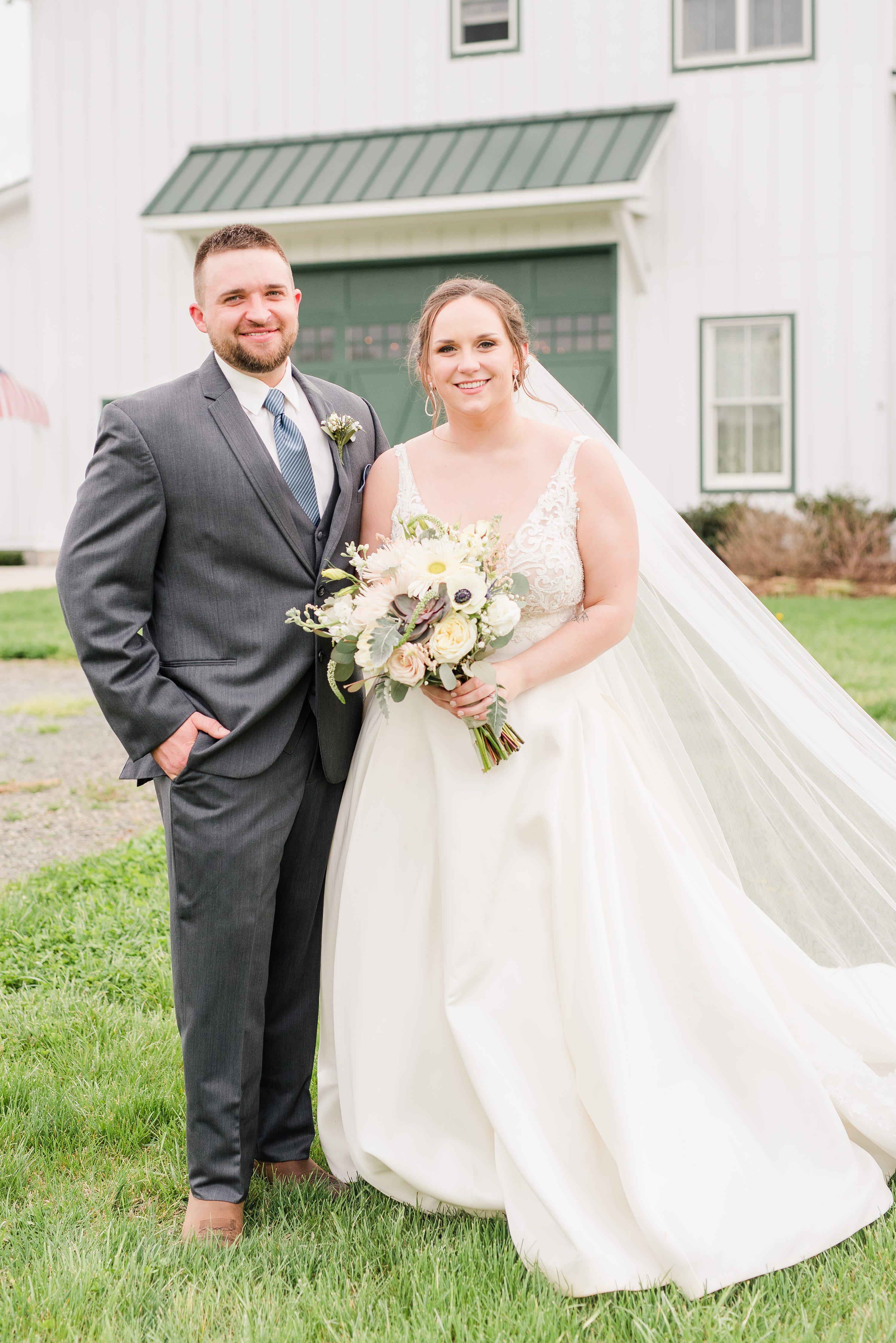Virginia Wedding Photographer,Charlottesville Wedding Photographer,bride and groom,mountain wedding,edgewood barn