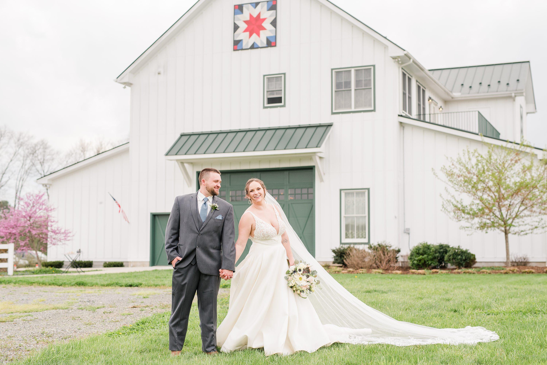 Blue Ridge Mountains Wedding,Blue Ridge,bride and groom,mountain wedding,edgewood barn,Barn at Edgewood,Barn