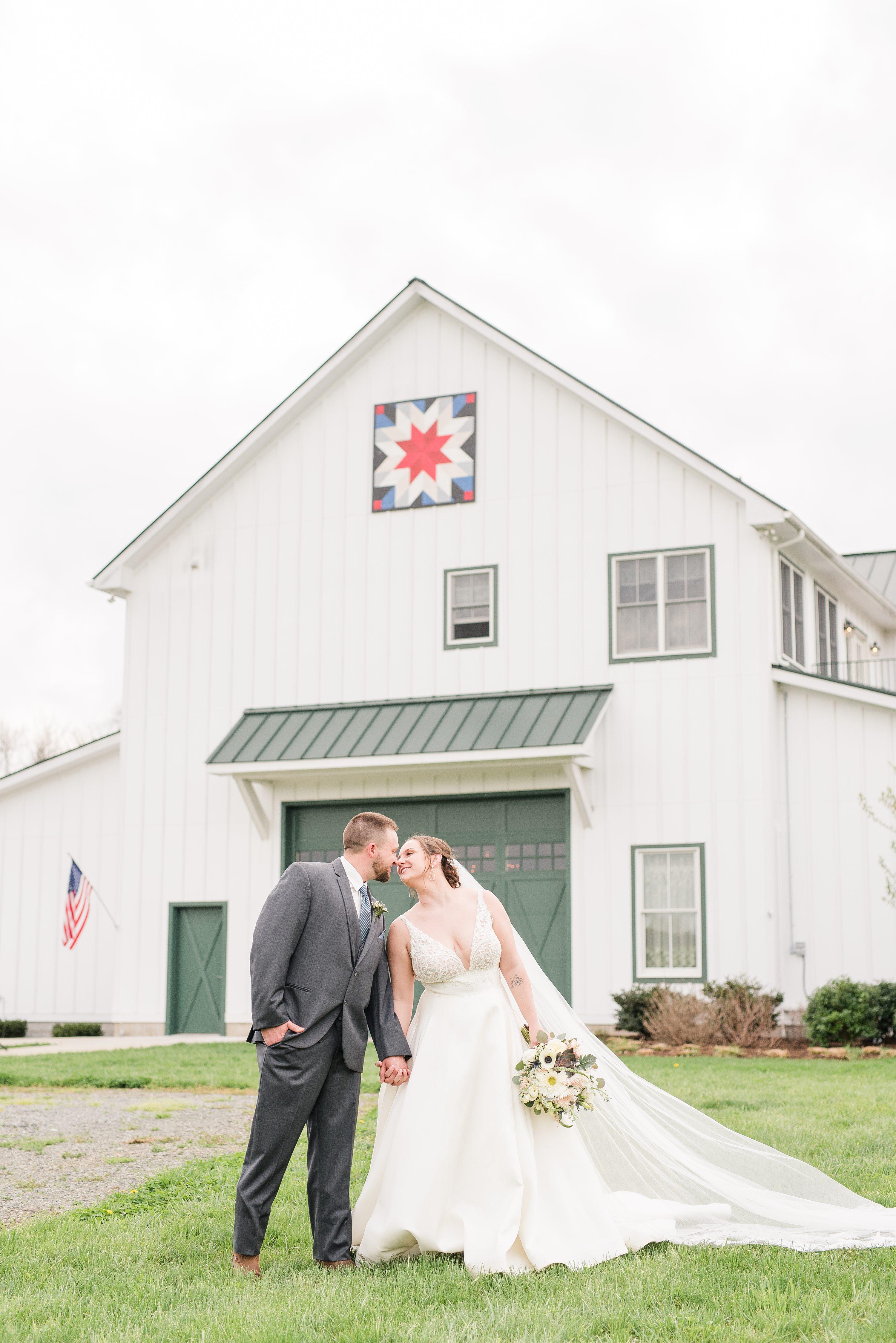 Outdoor Spring Wedding,Blue Ridge Mountains Wedding,bride and groom,mountain wedding,edgewood barn