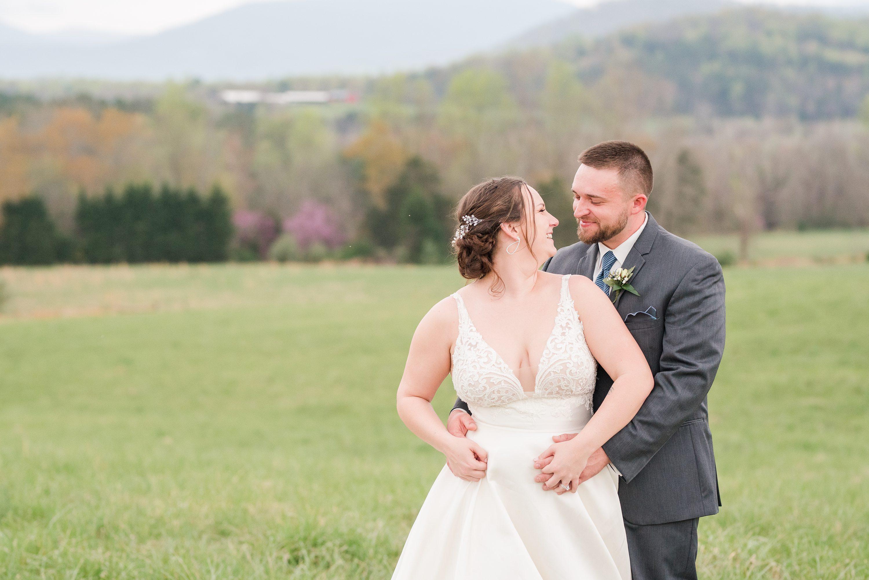 Charlottesville Wedding Photographer,Spring,Blue Ridge Mountains,bride and groom,edgewood barn,Barn at Edgewood