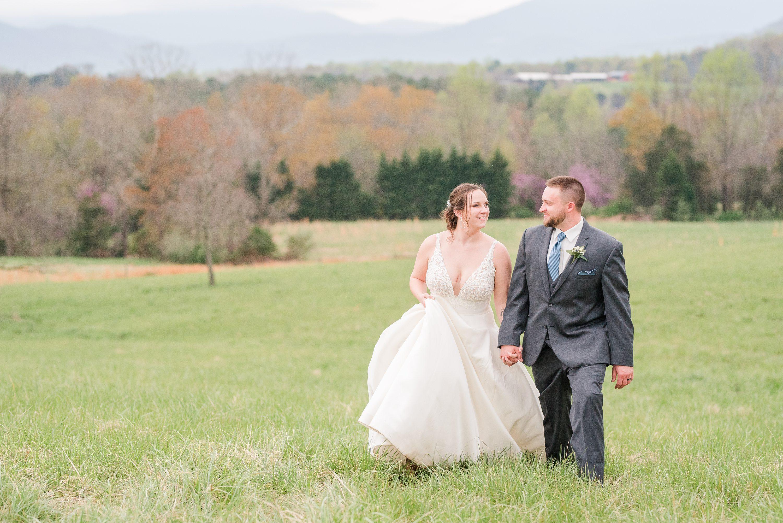 Outdoor Spring Wedding,Barn Wedding,Blue Ridge Mountains,bride and groom,edgewood barn,Barn at Edgewood
