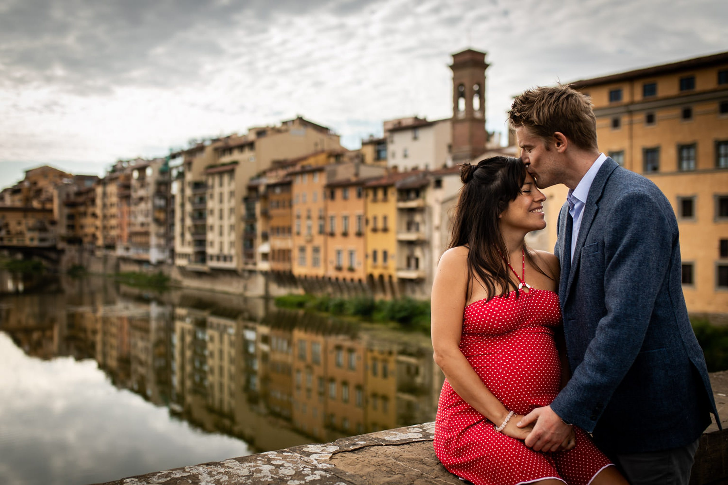 Outdoor maternity photoshoot in Florence,Pregnancy photos in the historic center of Florence