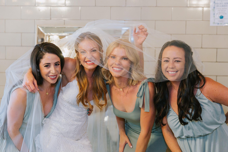 wedding party,bridesmaids,green bridesmaid dresses,veil