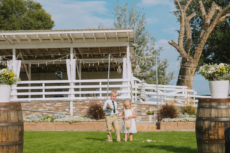 ring bearer,flower girl,outdoor wedding