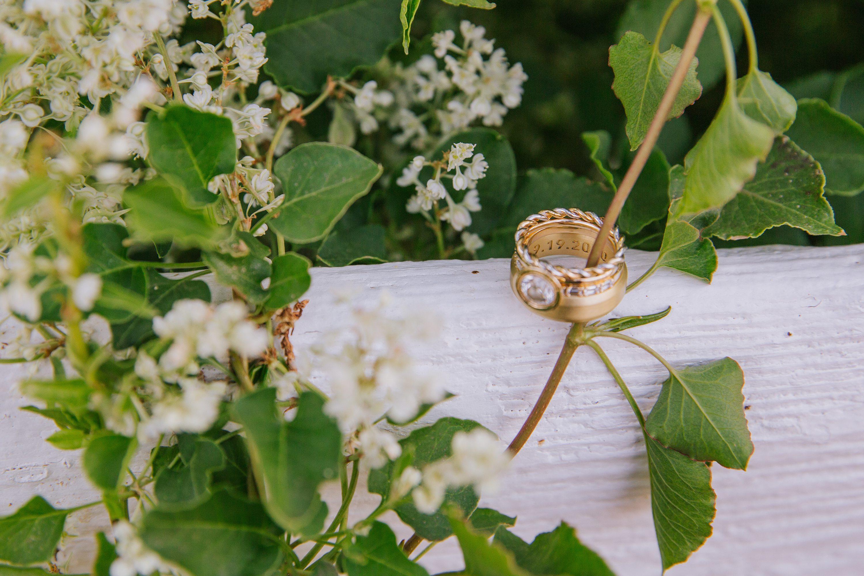 wedding rings,ring shot,engraved ring,engraved wedding band