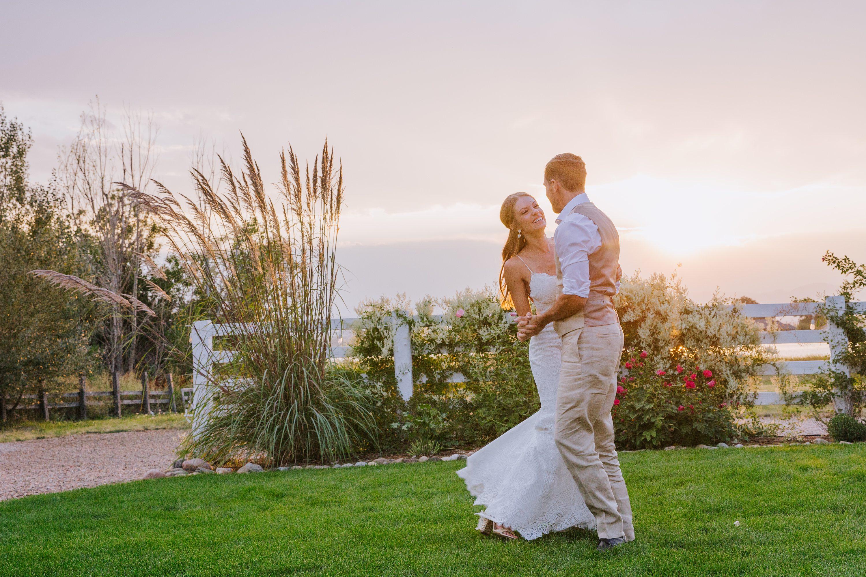 sunset photo,couple portrait