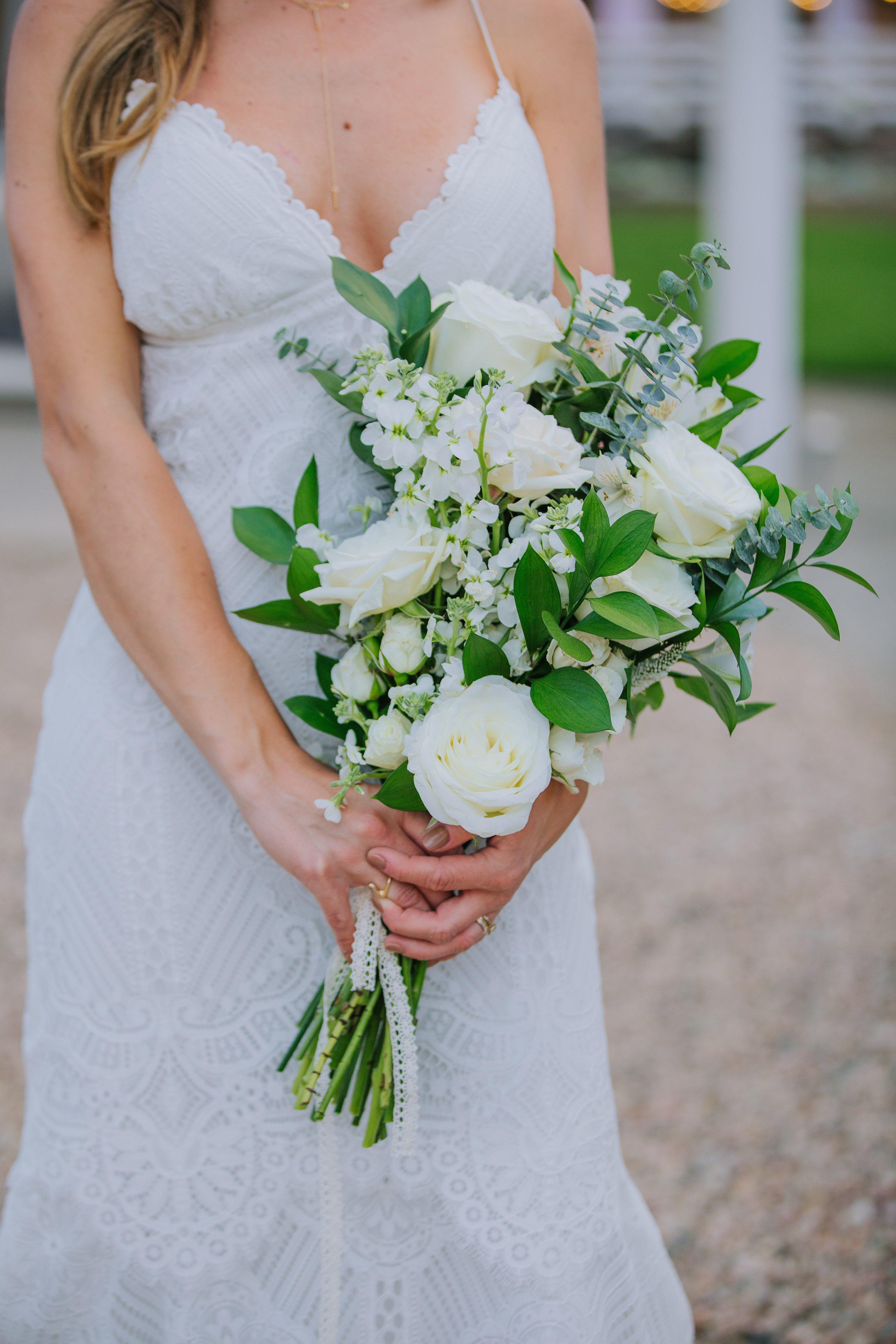 bridal bouquet,white roses,white floral bouquet