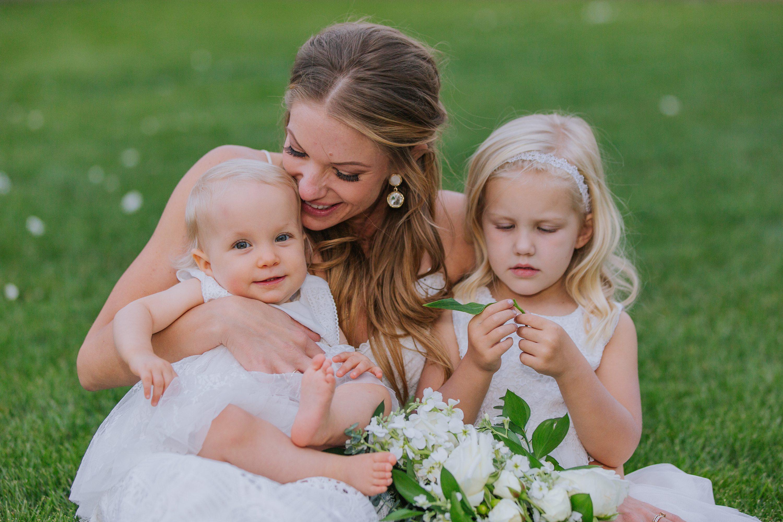 bride,flower girl