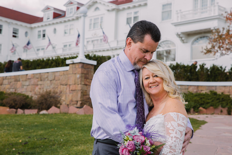 stanley hotel,bride and groom