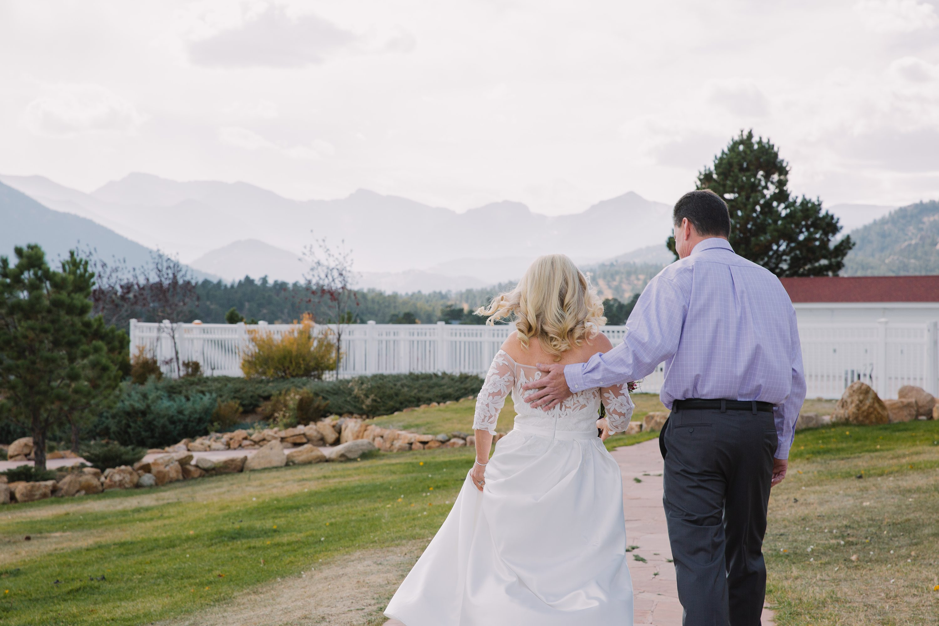 the stanley hotel,colorado,rocky mountains,bride and groom