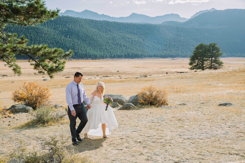 colorado,rocky mountains,bride and groom,couple