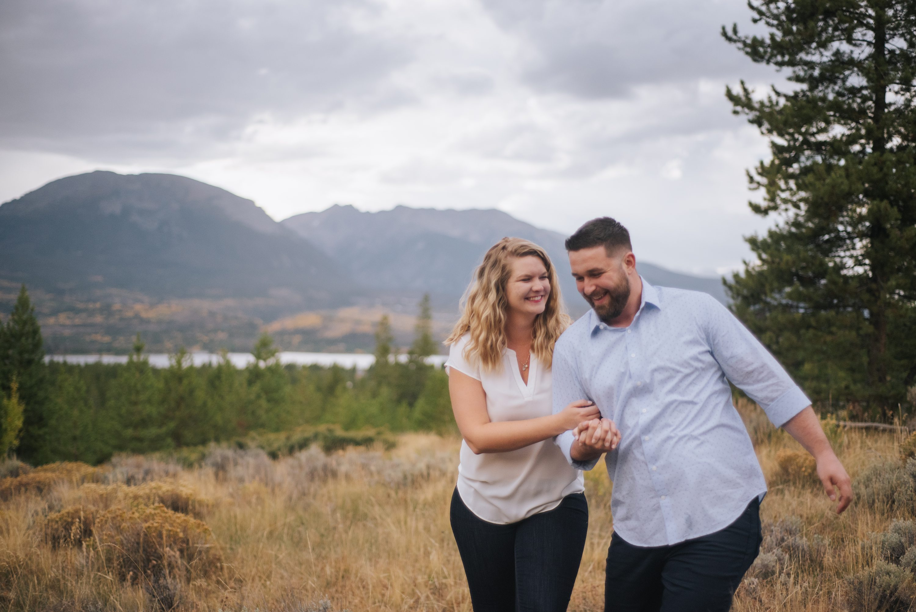 Fall colors,Fall Engagement Photos