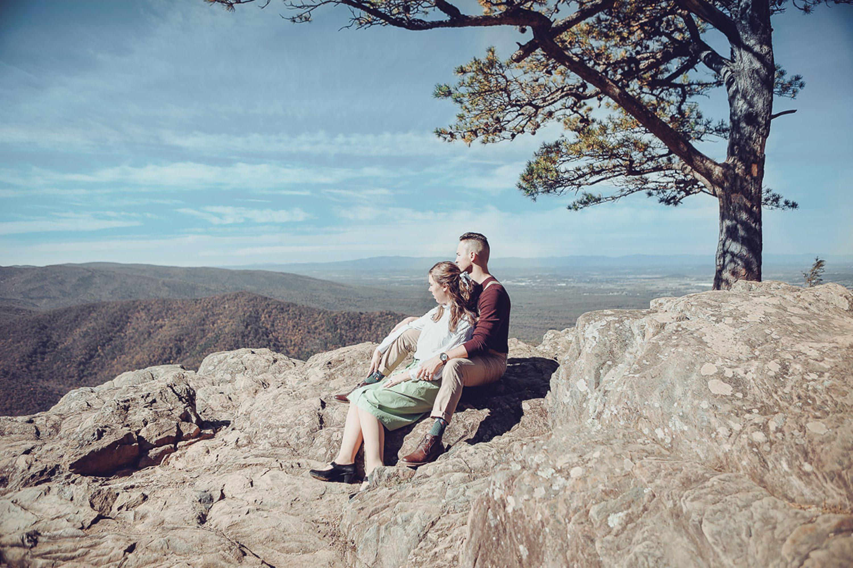 moutains, blue ridge photo ideas, engagement session,fall colors, ravens roost,